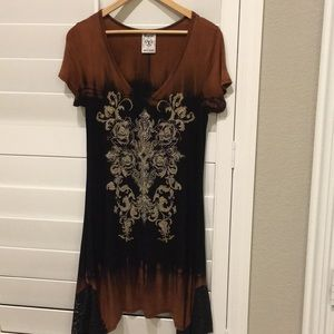 Tunic with lace and sparkle detail
